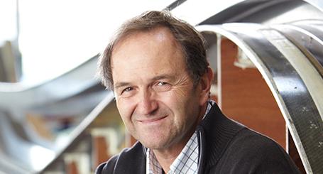 Conférence de Bertrand Cardis sur l'innovation, la créativité, le service client et la vente - par UnoMe, le Swiss Speakers Bureau