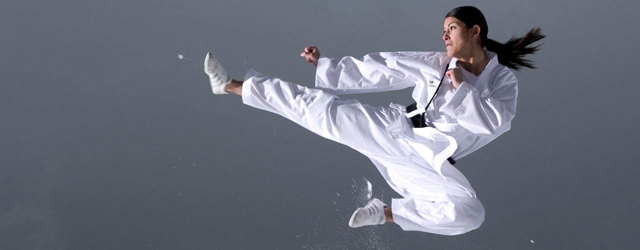 Conférences de Fanny Clavien championne suisse de karate, sur la motivation et le bien être au travail, par UnoMe le Swiss Speakers' Bureau